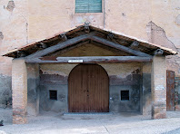 Detall de l'atri cobert de la capella de Sant Joan del Pont del segle XV
