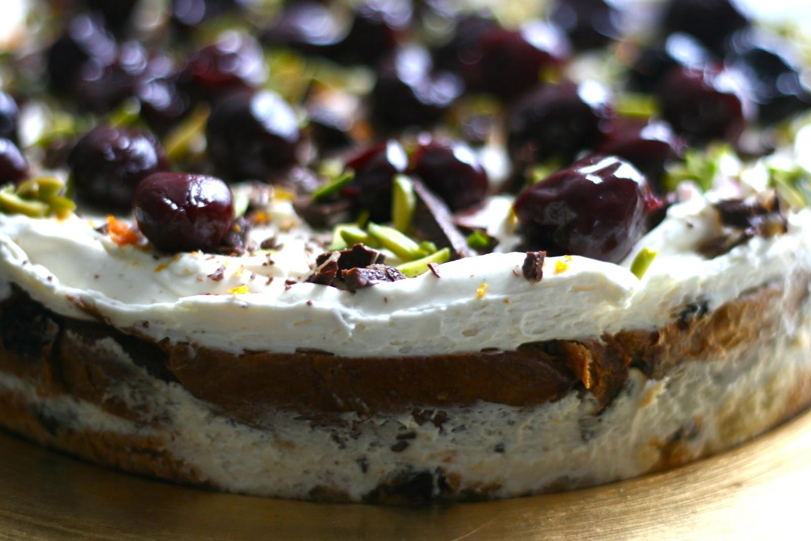 Milli 39 s kitchen nigella 39 s panetonne pudding christmas for Canape jamie oliver