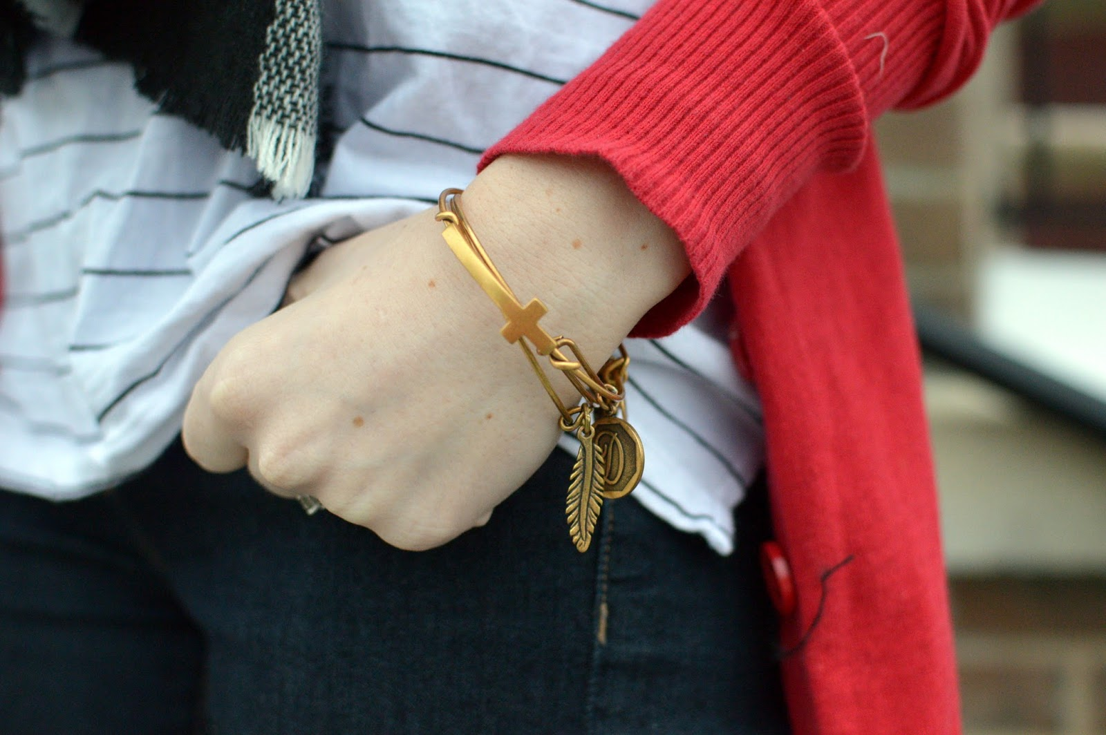 the alex and ani cross bracleet