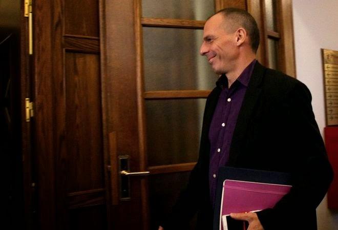 Βαρουφάκης: Ο Λαπαβίτσας έχτισε καριέρα πάνω στην επιστροφή στη δραχμή. ΦΠΑ στο 15%, απαράδεκτος ο ΕΝΦΙΑ