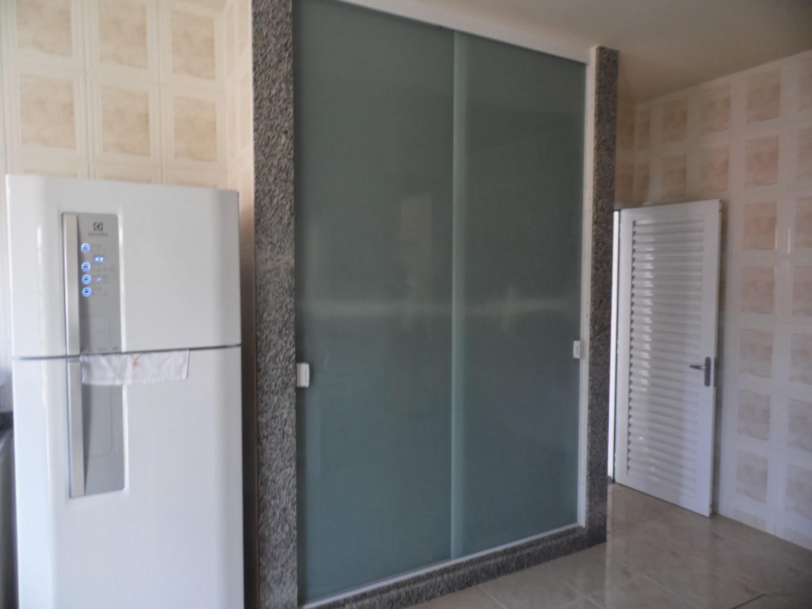 AF4 TEMPER VIDROS: Armario de cozinha em vidro serigrafado incolor  #7B6750 1600x1200