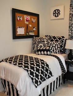 35-inspirasi-desain-ruang-tidur-bernuansa-hitam-putih-009