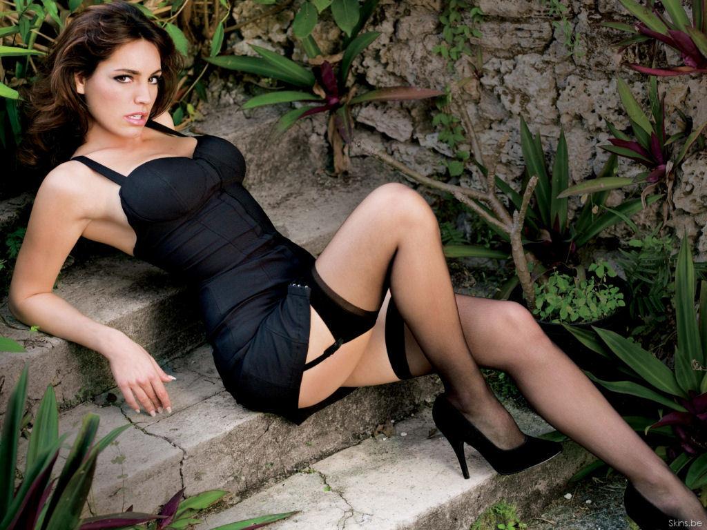 http://1.bp.blogspot.com/-FdDoikJpbJI/TaF2paboOaI/AAAAAAAAAgc/UHVeaFiY4uM/s1600/Model%2Band%2Bactress%2BKelly-brook%2Bbikini.jpg
