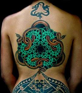 Melhores tatuagens de cobras nas costas
