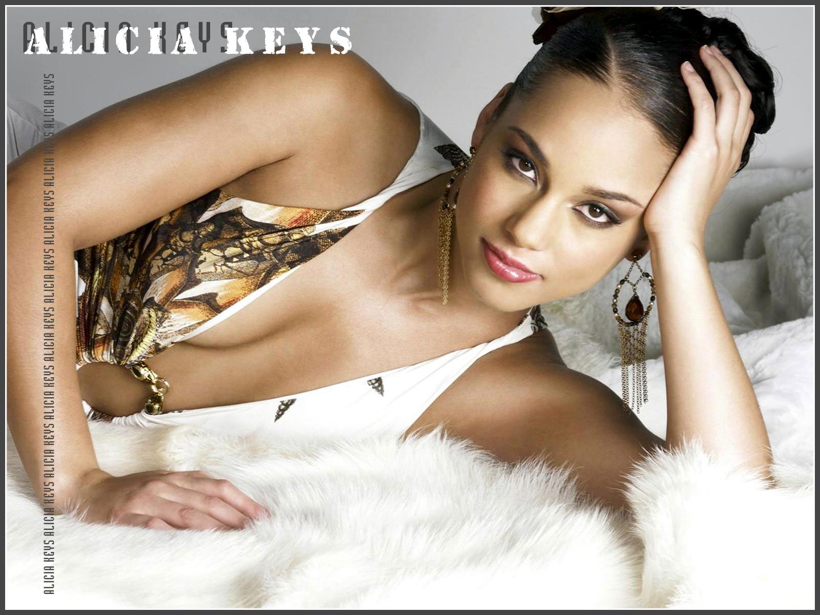 http://1.bp.blogspot.com/-FdFxHDUb4gk/TaQCXsJzQNI/AAAAAAAAAGU/dcW09K0TXW4/s1600/Alicia-Keys.jpg