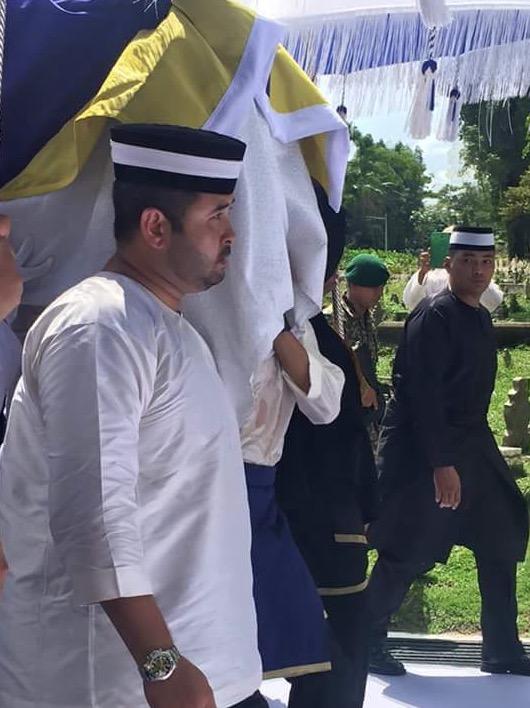 Rakaman Awan Pelik Semasa Istiadat Pemakaman Almarhum Tunku Jalil