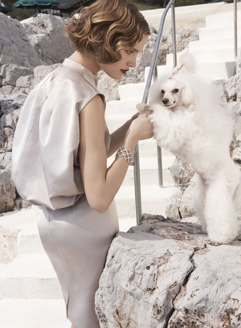 Natalia Vodianova in Vogue US (photography: Mario Testino, styling: Tonne Goodman)