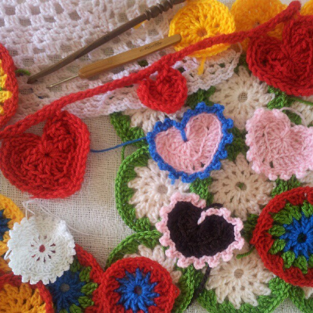 Crochet Tips : How To Crochet a Heart: {Crochet} Tips for beginners.