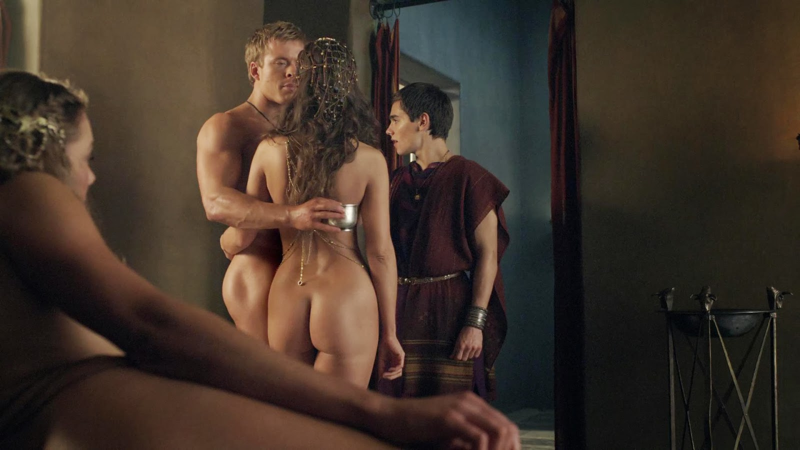 Spartacus Seksi Sevişme Sahneleri 18 Full izle  Film