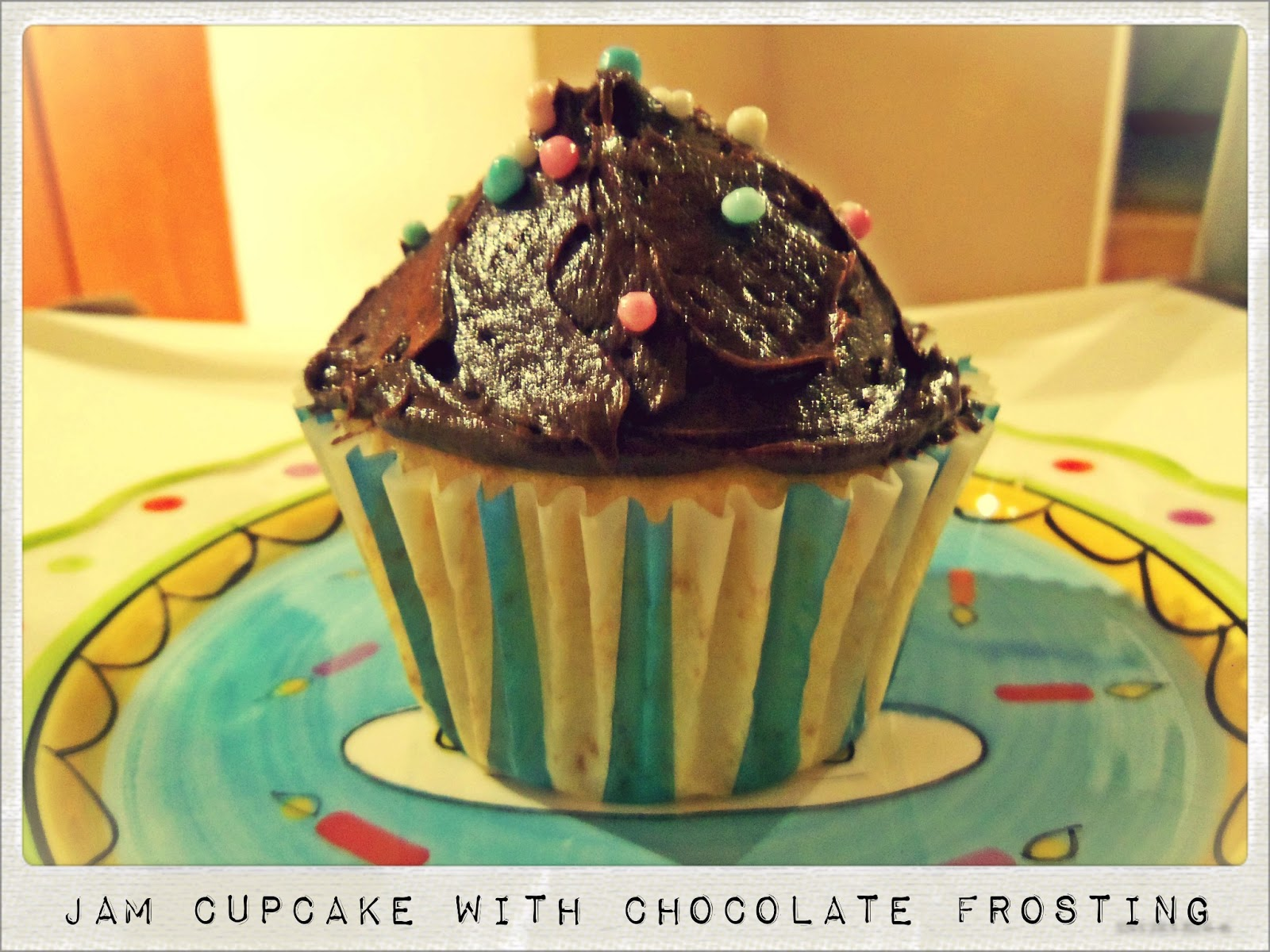 You've Got Meal!: Jam Cupcakes with Chocolate Frosting