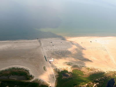 St. Peter-Ording: Fotos eines Tandem-Fallschirmabsprunges über dem ordinger Strand 36