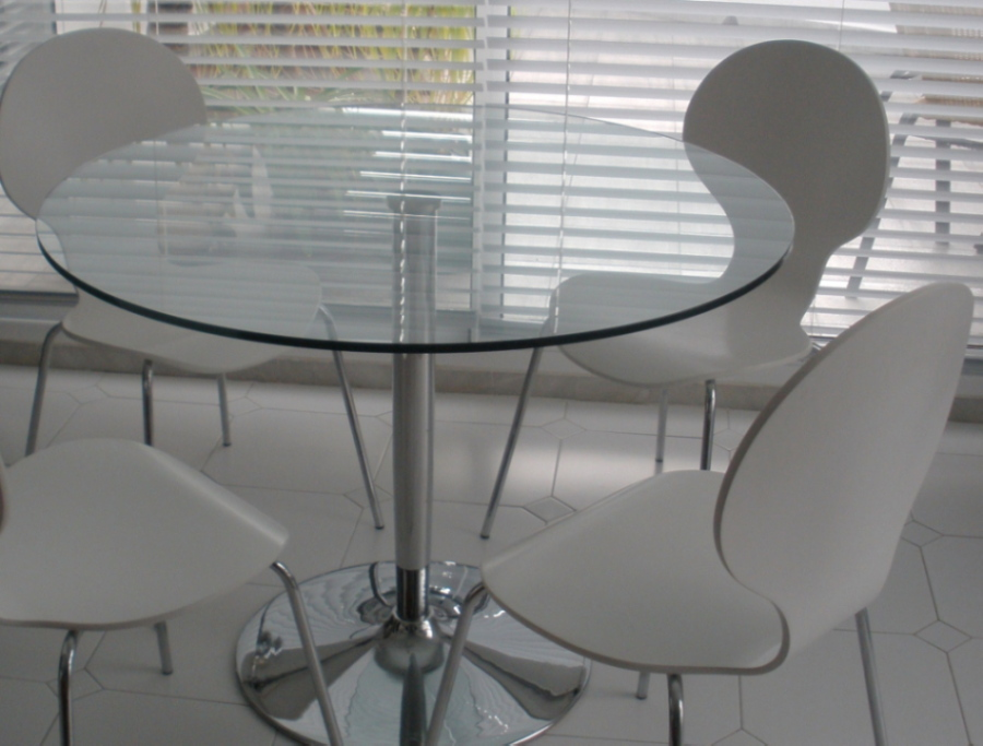Digame Glass Topped Dining Table 4 Chairs For Sale Reduced Price