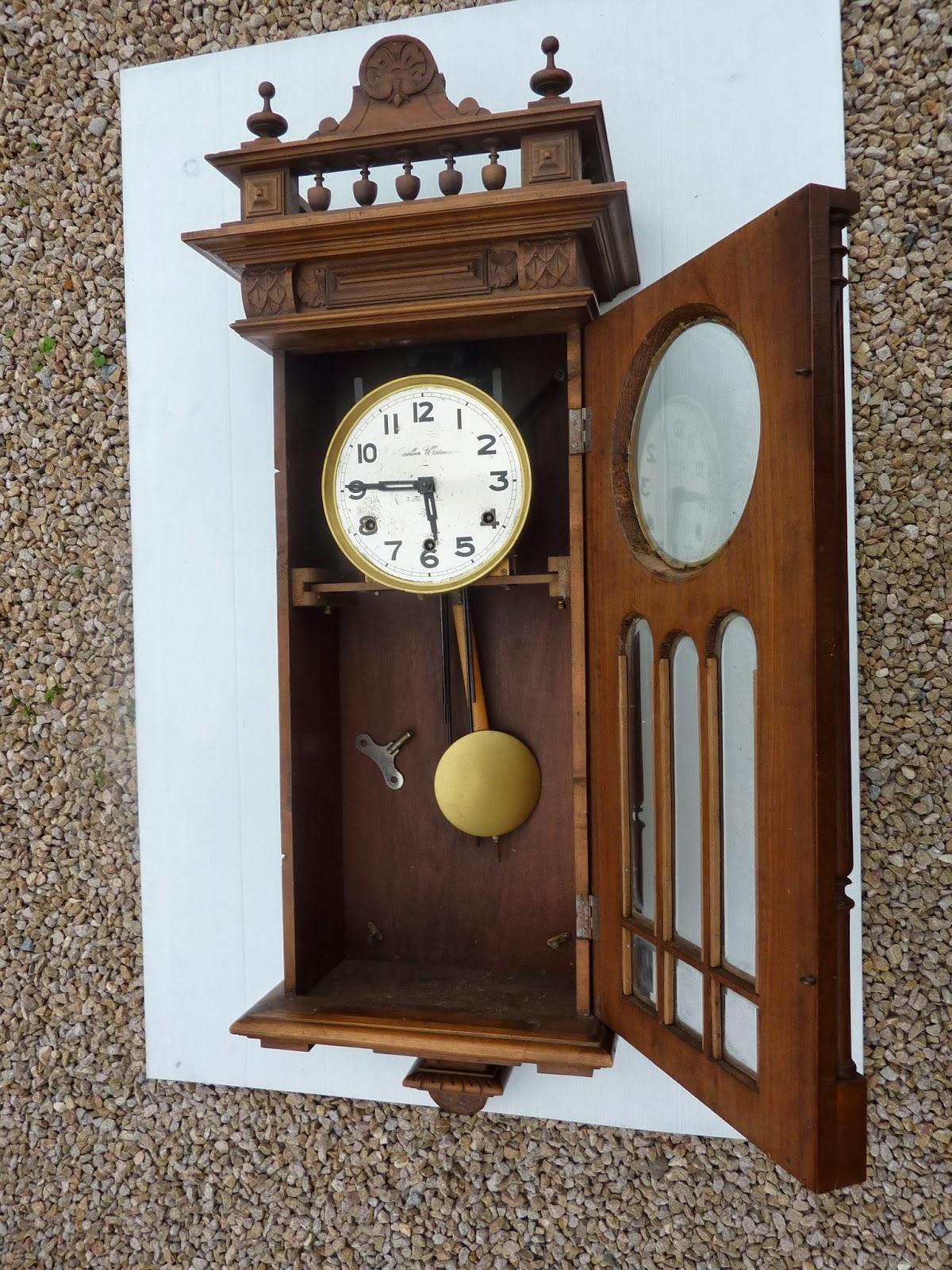 dressing grenier horloge carillon ancien westminster. Black Bedroom Furniture Sets. Home Design Ideas
