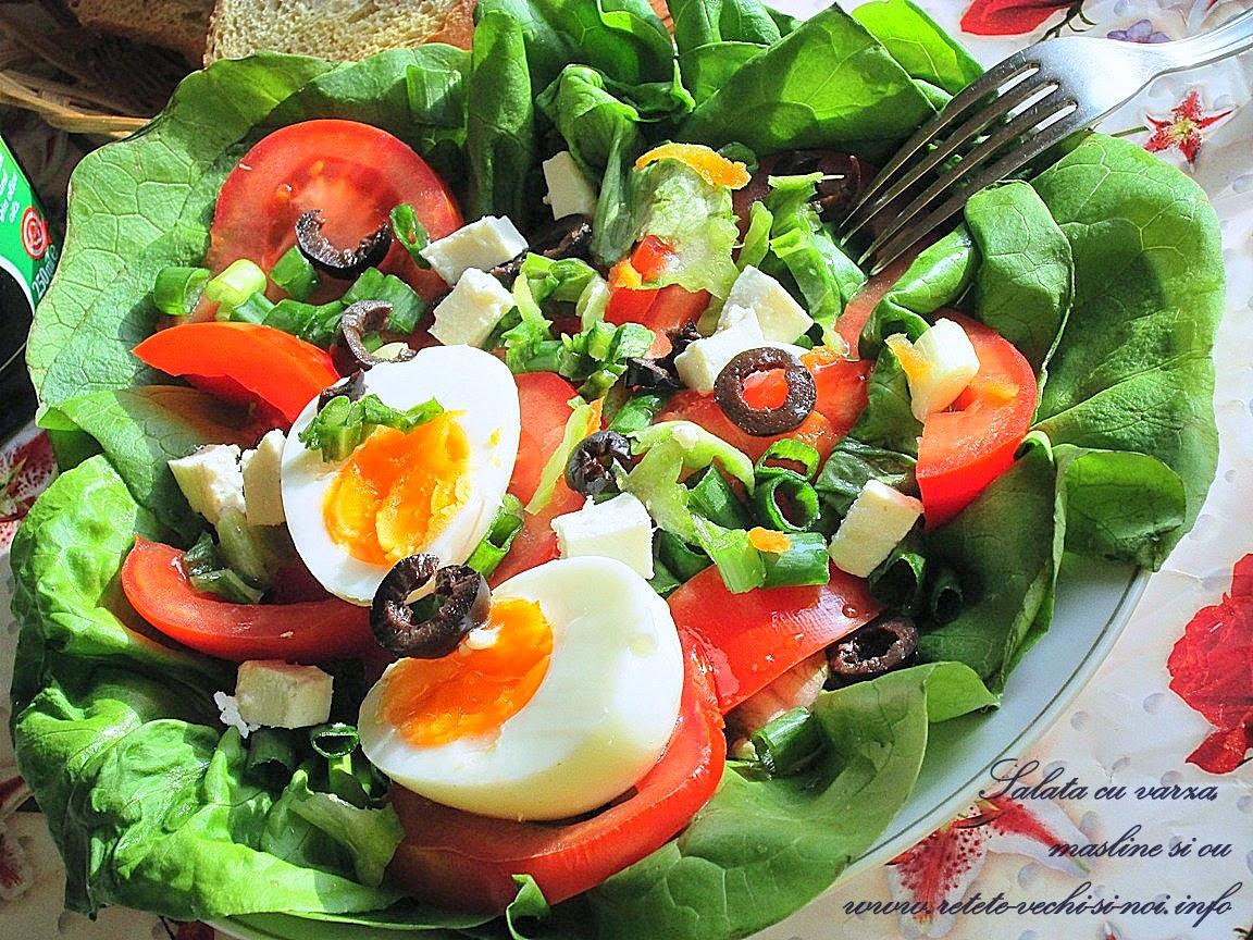 Salata cu varza, masline si ou