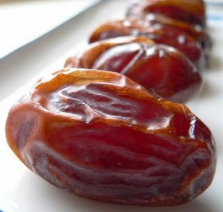 Khasiat buah kurma untuk ibu hamil