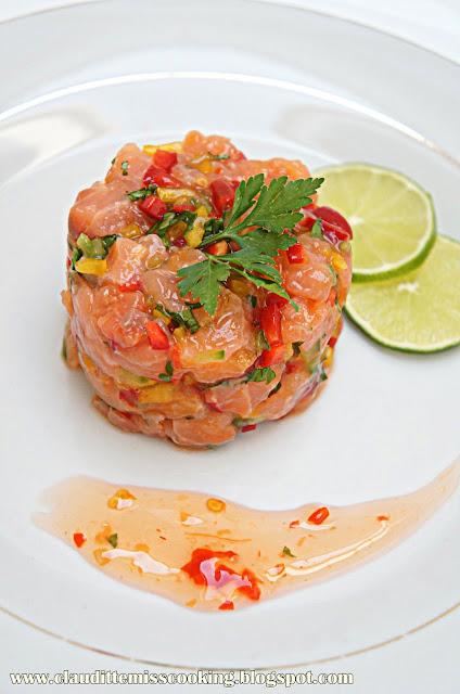 Tatar z łososia; Tatar z łososia surowego; Przepis na łososia; Tatar przepis; Szybki obiad; Co na obiad.