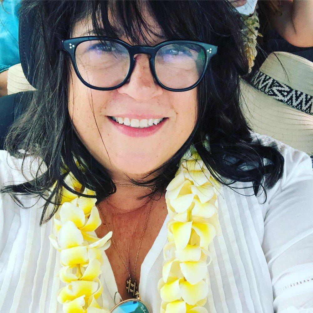 Autora de '50 Tons de Cinza' irá lançar novo romance. MAis ''TRASH''