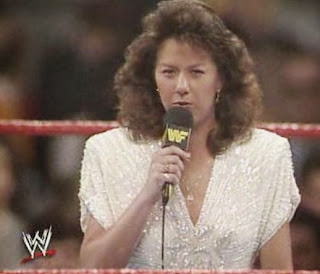 WWF / WWE: Wrestlemania 5 - Rockin Robin sings America the Beautiful
