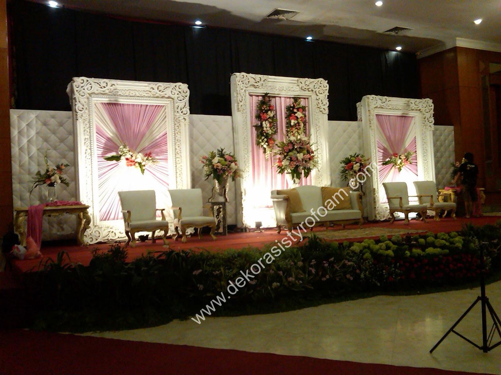 Dekorasi styrofoam dekorasi pelaminan a 4 for Dekorasi lebaran hotel