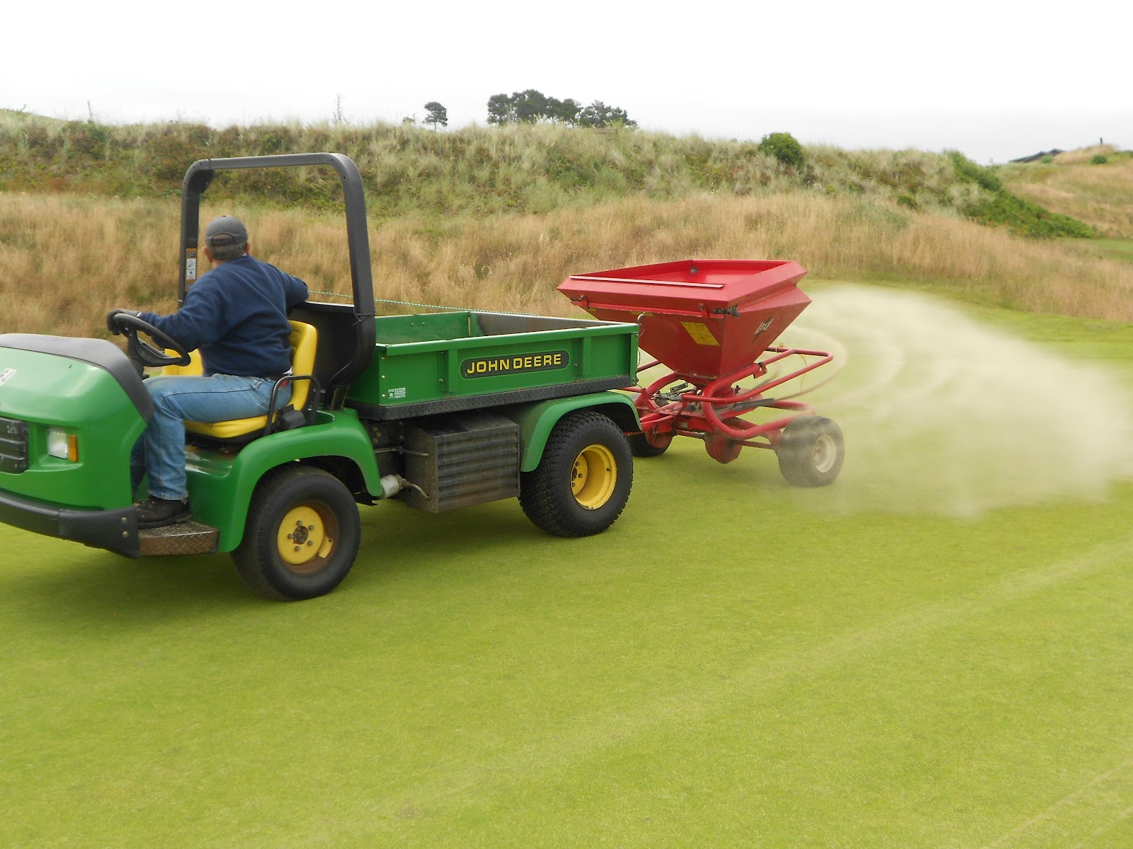 Jerry Top Dressing 16 Green With A Lely Spreader