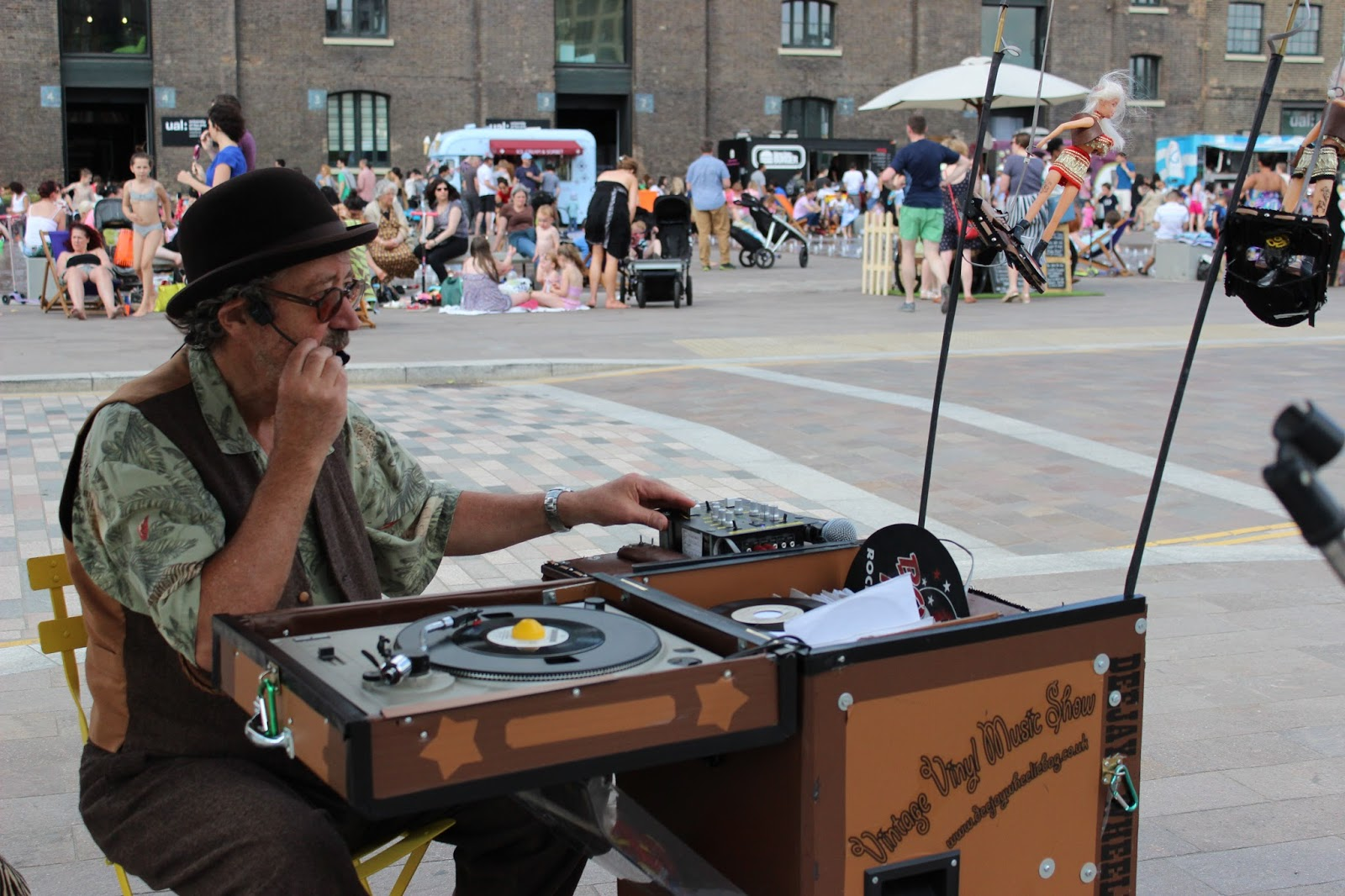 Kerb food market DJ