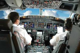 आसमां से जोड़े करियर (कॉमर्शियल पायलट लाइसेंस कोर्स)