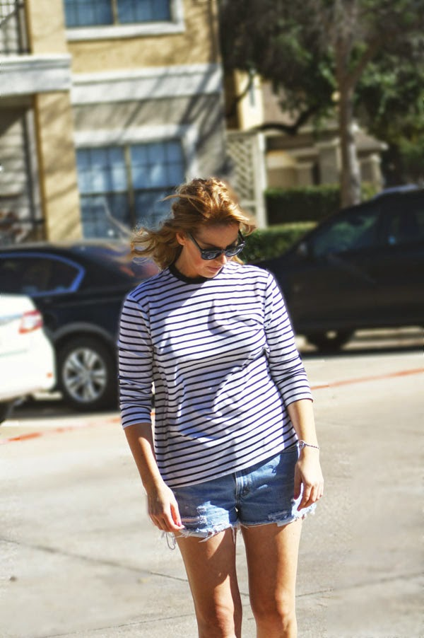 casual_outfit_striped_tee