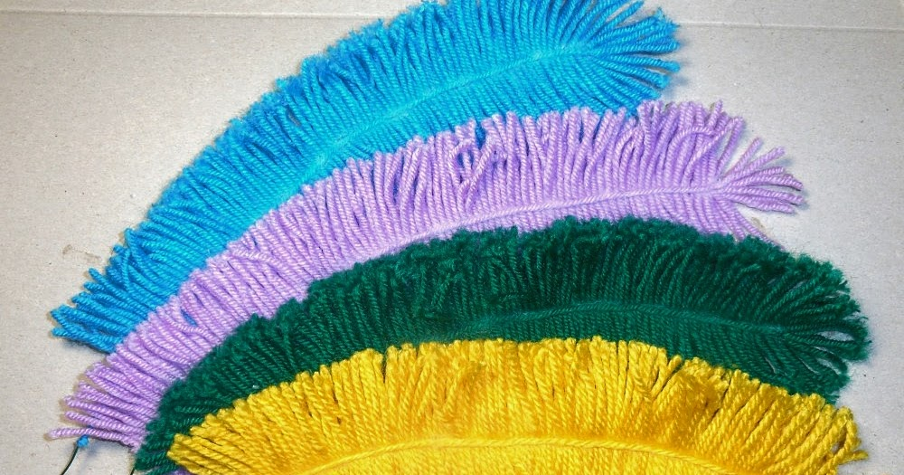 DIY. Making feathers with yarn for a crochet toy