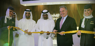 Ribbon-cutting to celebrate the opening of Etihad's travel mall in Dubai