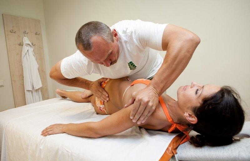 Упражнения для лечения хондроза грудного отдела