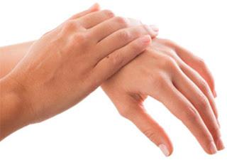Como tratar as manchas das mãos | Clínica Weiss | Hugo Weiss Dermatologista