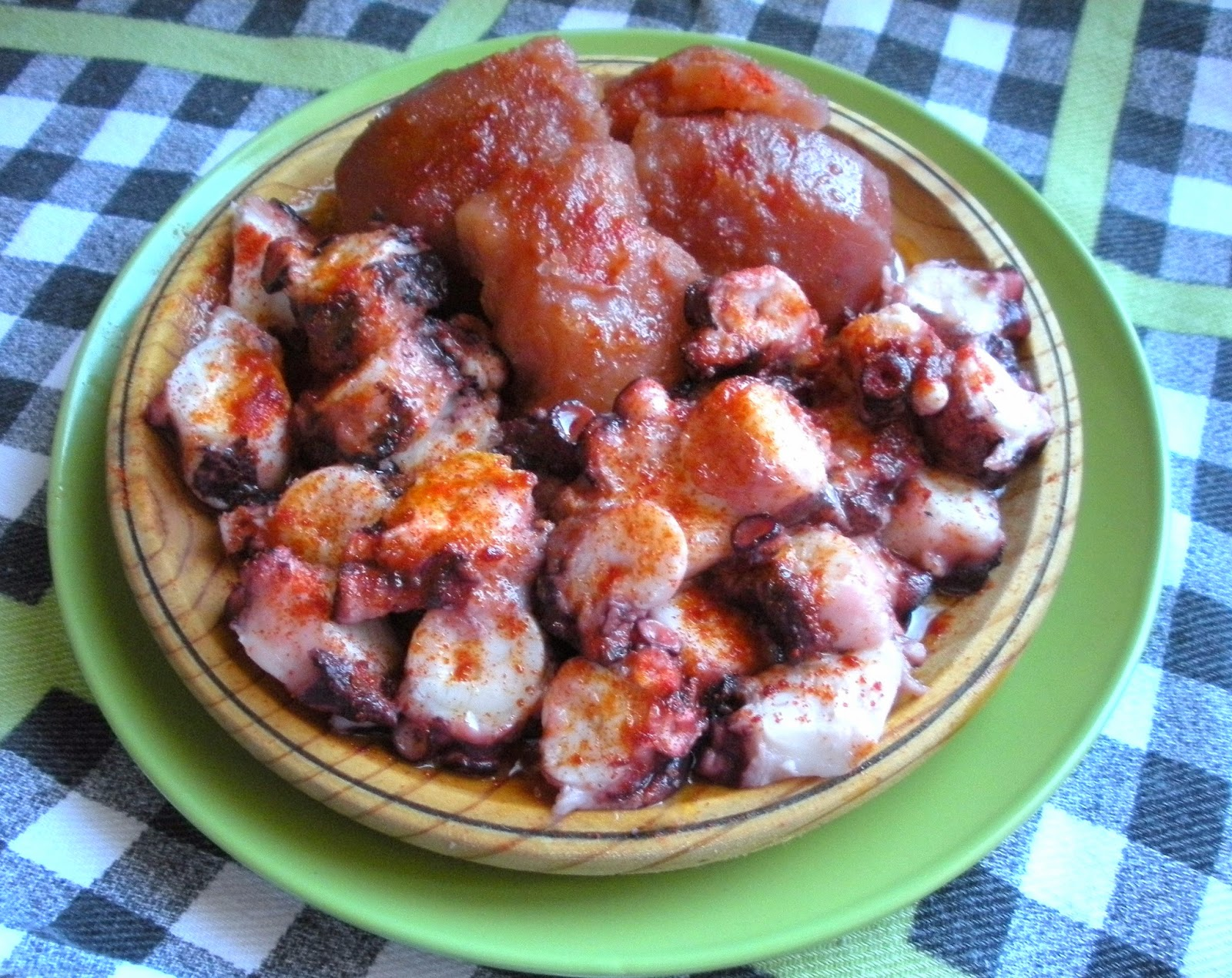Aqu se cocina pulpo cocido en olla r pida sin agua - Patatas en olla rapida ...