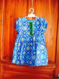 Baju batik anak wanita biru