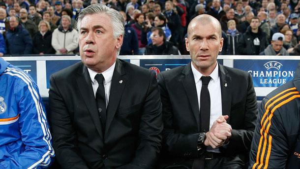 Ancelotti espera que Zidane siga dirigiendo al Real Madrid