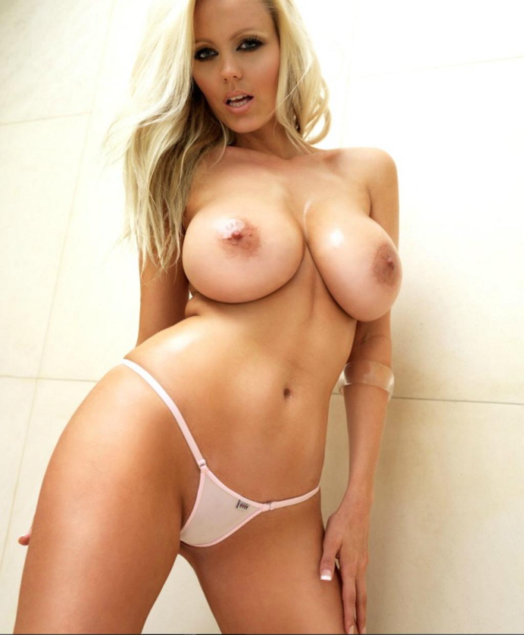 Blonde Glamour Model Big Boobs