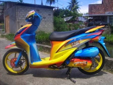 Modifikasi Honda Spacy Airbrush dengan warna biru kombinasi kuning