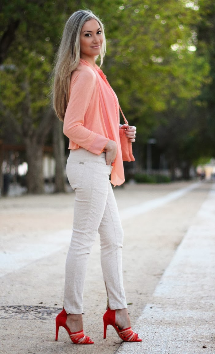 look do dia look of the day laranja salmão creme bege polka dots mala sandálias zara relógio gucci dourado cardigan cabelo loiro padão floral blog de moda style statement dicas de imagem