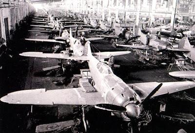На конвейере истребители Ла-5Ф