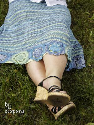 http://mojerobotkowanie.blogspot.com/2013/07/spodnica-koronkowa-fina.html