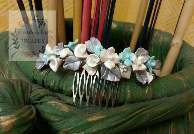 peineta para novia con hojas y flores en porcelana