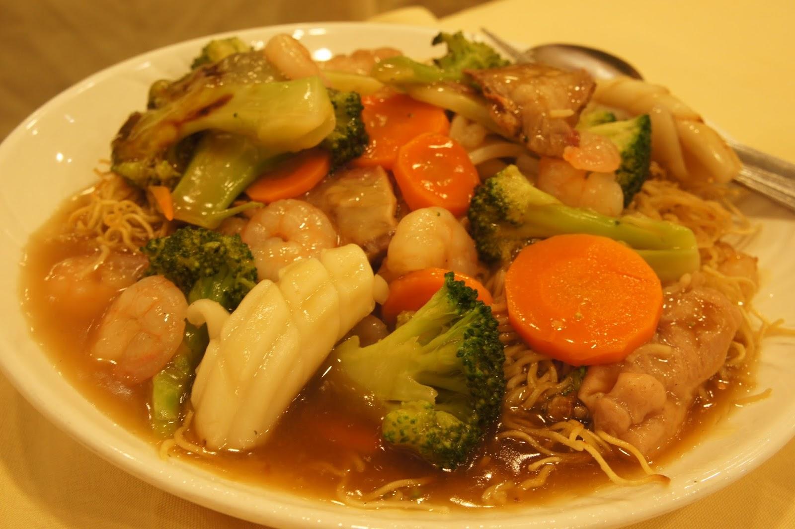 freakzspeaks chow mein  won ton soup  jade dynasty