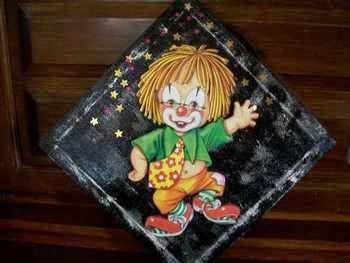 Le petit clown aux étoiles... Tableau réalisé en 3D. Fond à l'éponge noir .