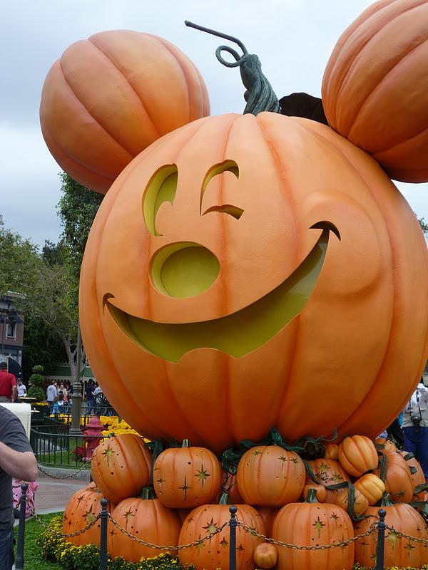 My Third True Love: Halloween at Disneyland
