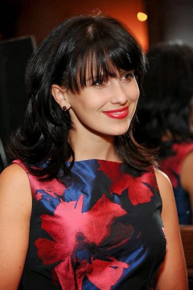 Hilaria Baldwin Flip Hairstyle