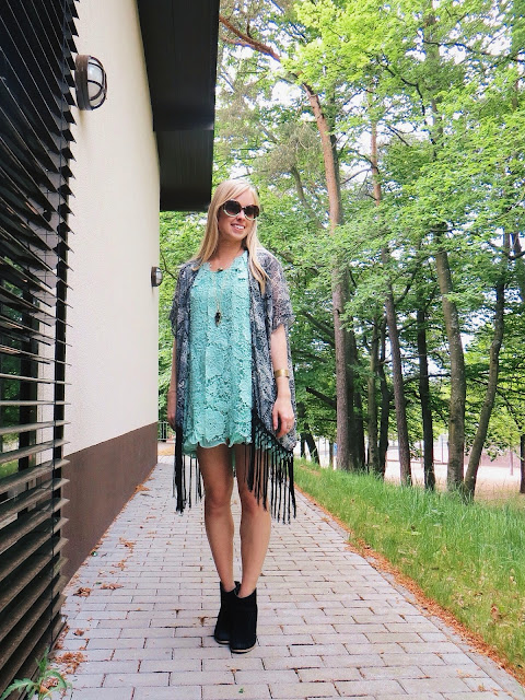 chicwish mint green floral mini dress, debshops black floral fringe kimono, emblem eyewear green and tortoise sunglasses, mint and arrowhead necklaces from Swallow's Heart, boho outfit, bohemian outfit, hippie outfit