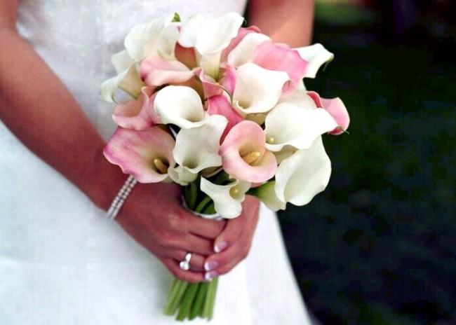Wedding Flower Arrangements With Lilies : Calla lily wedding flowers