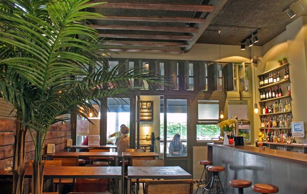 Galicia cool magazine la urbana bar en a coru a - Arquitectura de interiores coruna ...