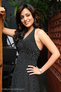 Nisha Aggarwal Spicy Sleeveless Gown Deep Neck Dotted Black Gown Stunning Spicy