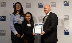 Mahasiswa PhD Indonesia Raih Penghargaan Terbaik di QUT Australia