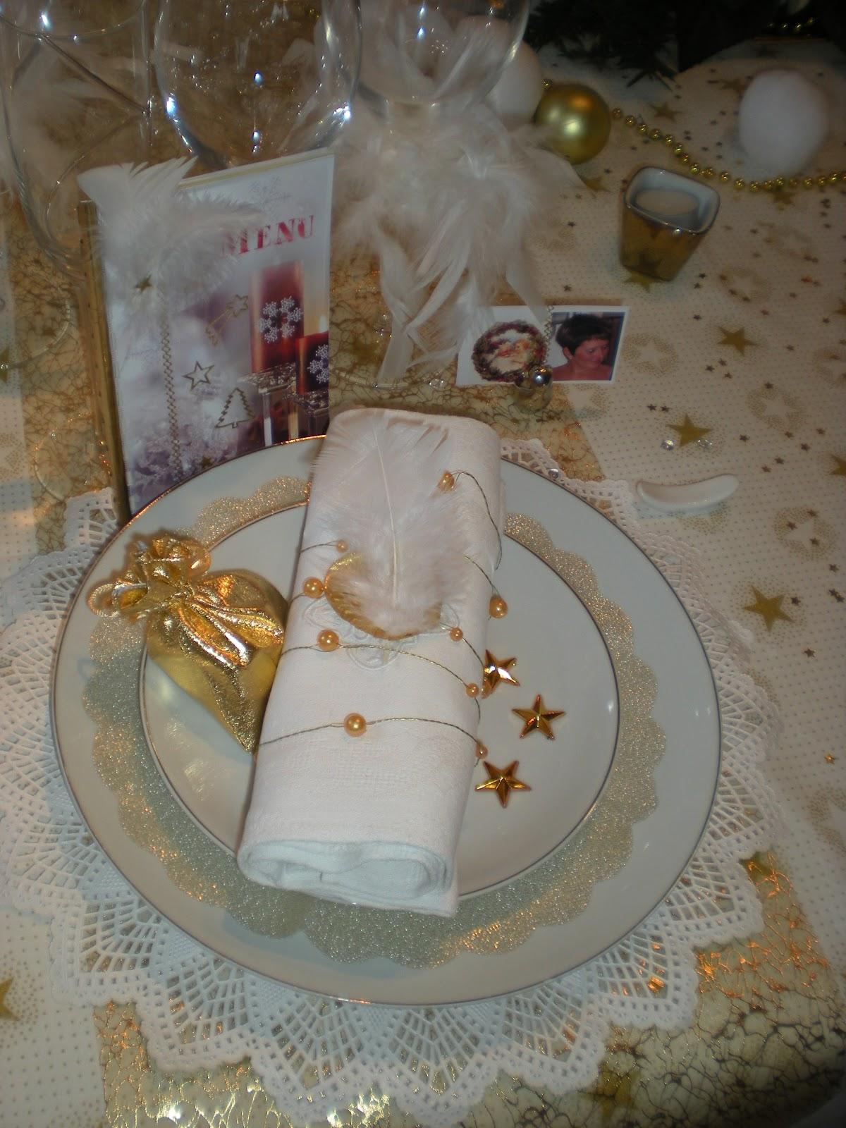 #9B6B30 Déco De Noël En Or Et Blanc . Déco De Table à Thèmes 6179 decoration de table de noel en blanc 1200x1600 px @ aertt.com